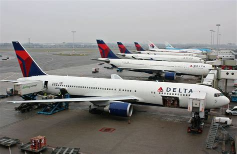 cyber attack ground delta airlines observer