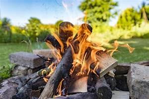 Feuerstelle Im Garten Anlegen : feuerstelle im garten anlegen 10 ideen vorgestellt ~ Articles-book.com Haus und Dekorationen
