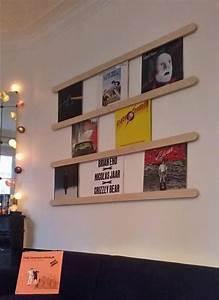 Meuble Pour Vinyle : 17 meilleures id es propos de vinyles sur pinterest rangement de disques tourne disques et ~ Teatrodelosmanantiales.com Idées de Décoration
