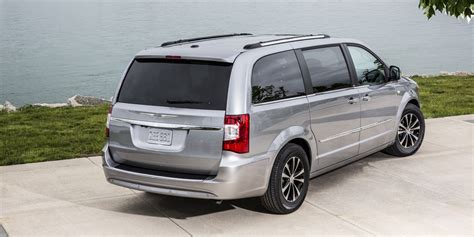 chrysler town country review consumer guide auto