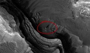 Bizarre worm-like ALIEN dunes discovered on MARS as NASA ...