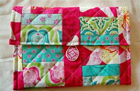 cozy quilted tablet cover pattern favequiltscom