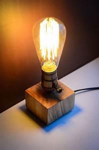 Lampe à Clipser : les 25 meilleures id es de la cat gorie lampe de chevet sur pinterest lampes chambre bedside ~ Teatrodelosmanantiales.com Idées de Décoration