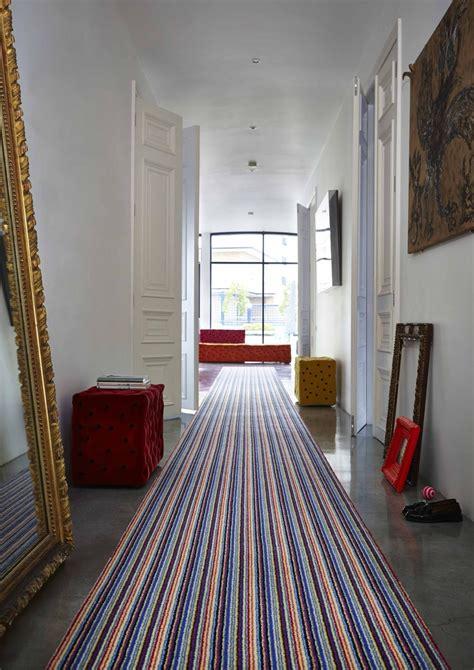 Flur Teppich by Hallway With Striped Carpet Runner Stripes Modern