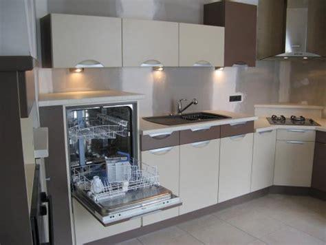 cuisine lave vaisselle en hauteur ambiance cuisine meubles contarin