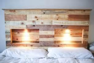 deco cuisine lumière encastrées tête de lit palette de bois tête de lit
