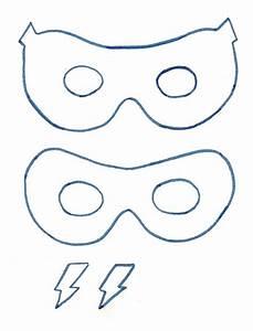 Just Bunch  Super Easy Superhero Mask