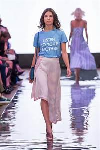 Outfit Sommer 2017 : berlin fashion week trends s s 2018 die trends f r den fr hling sommer 2018 brinisfashionbook ~ Frokenaadalensverden.com Haus und Dekorationen