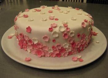 Erdbeeren Fruchtiges Deko Motiv by Eine Bl 252 Tenmeer Torte In Vielen Schichten