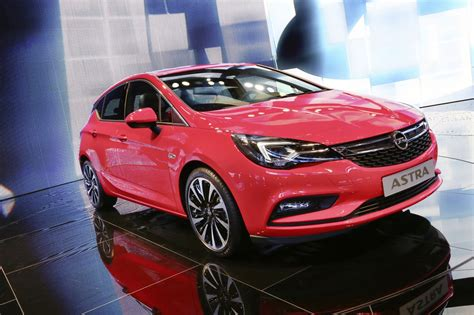 new opel astra 2020 opel premiers new astra plans 29 new models by 2020