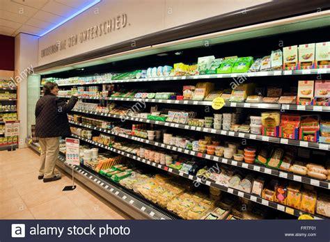 Einkaufen In Bergisch Gladbach by Einkaufen Supermarkt Stock Photos Einkaufen Supermarkt