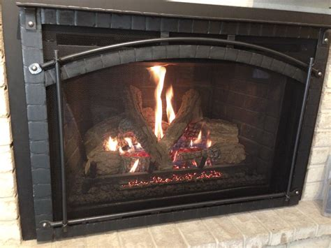 Heat & Glo Escape I35 with Chateau Forge Front   Gagnon