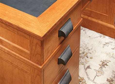cherry pedestal desk woodworking project woodsmith plans