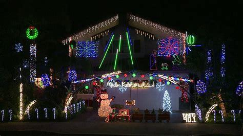 christmas light display videos waikele lights up with stunning display