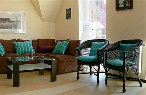 Epic Brown And Turquoise Living Room Ideas Contemporary Chairs Living Room India Live Chat Christmas Tree With Vaulted Ceiling Tan Ideas Dressing Cams Designer Radiators For Rooms Interior Designs Small