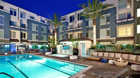 what to before renting an apartment renting a condo vs apartment rent com blog