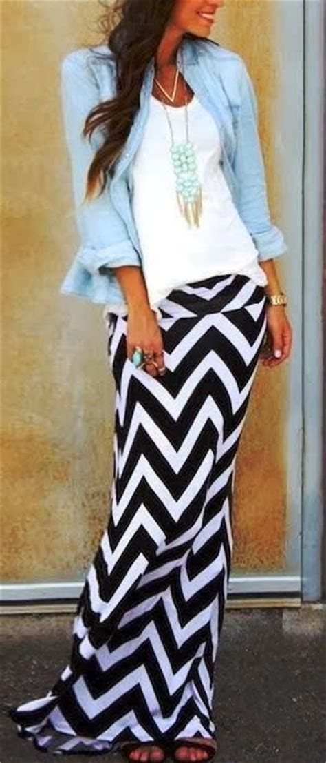 10 Maxi Skirt Outfit Ideas for Ladies