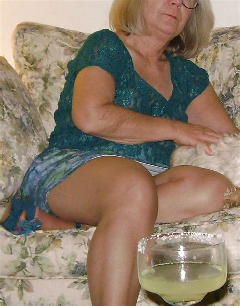 Gray Haired Whore 20111231 4 Pics