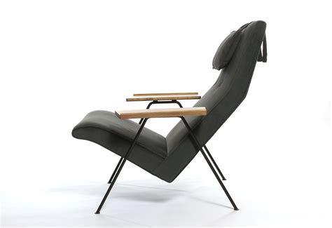 Reclining chair designed by Robin Day   twentytwentyone
