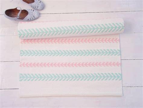 tapis chambre bebe fille tapis chambre bébé 29 tapis vraiment craquants