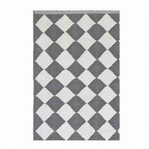 Tapis Gris Blanc : tapis losanges gris et blanc liv interior diamond 55 x 120 cm ~ Teatrodelosmanantiales.com Idées de Décoration