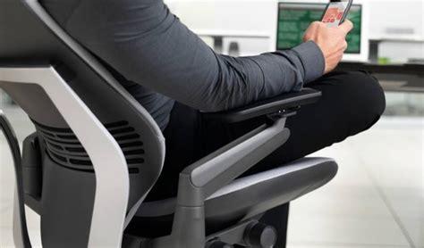 position ergonomique au bureau chaise de bureau professionnelle concept