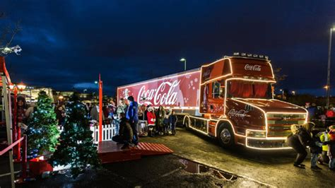 sneak peek    coca cola christmas truck
