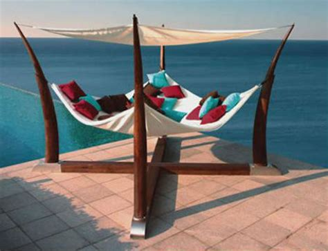 Caccoon Hammock by Luxury Lounging 13 Tantalizingly Tranquil Hammocks Urbanist