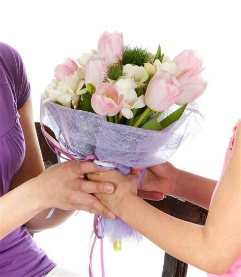 cuisiner a domicile et livrer quand offrir des fleurs