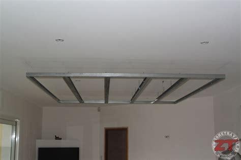 faux plafond cuisine spot brico création d un faux plafond avec ruban led et spots