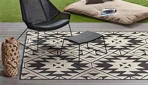 outdoor teppich balkon outdoor teppich mit rautenmuster With balkon teppich mit barbara becker tapete federn