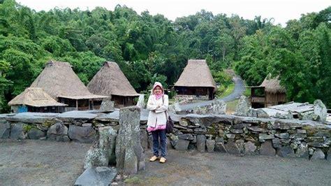 wisata  kampung bena nusa tenggara timur