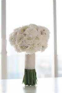 white flowers for wedding white ranunculus bouquet white wedding flowers