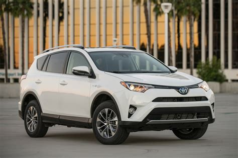toyota rav 10 things to know about the 2016 toyota rav4
