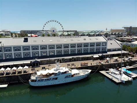 Luxury Super Yacht - Hourspace