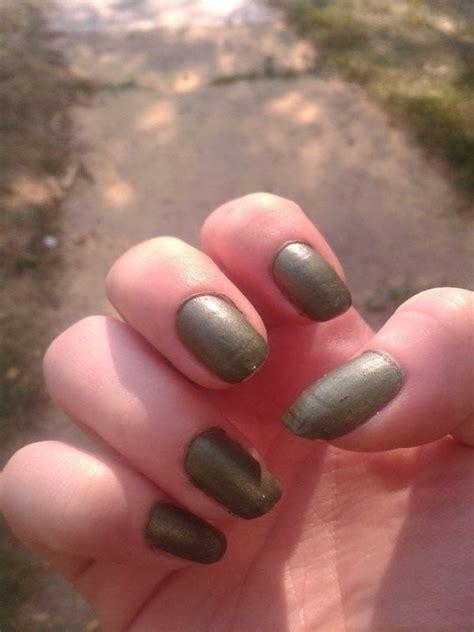 matte nail polish   paint  matte