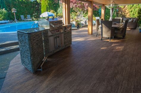 4 tips for outdoor kitchens on vinyl decks patios