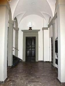 Restored town centre apartment in Perugia Ref: ACC080 ...