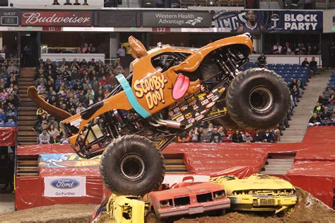 monster truck jam com scoobydoo13 01 jpg 4256 2832 monsters pinterest