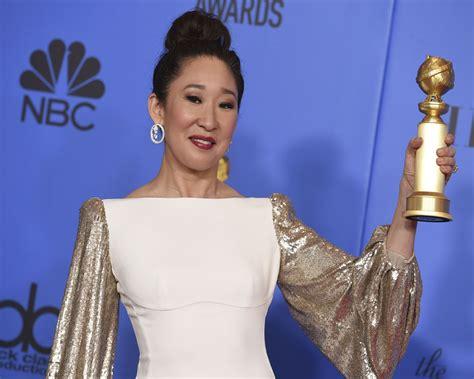 sandra oh golden globes win sandra oh creates history at golden globes 2019