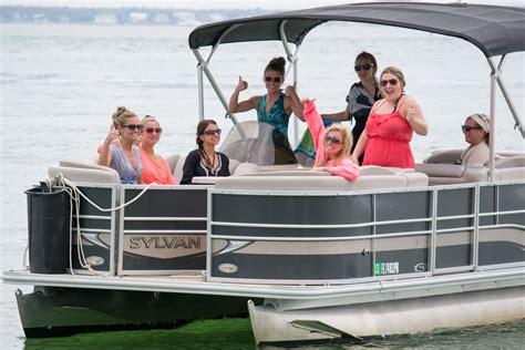 Pontoon Boat Destin Fl by Destin Pontoon Rentals