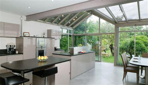 cuisine veranda photos une cuisine dans la véranda pour plus de lumière le