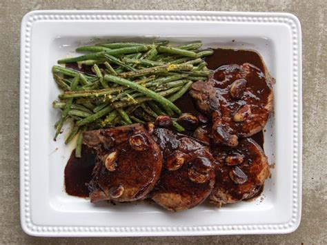 Oven setting is 375, usually 25 minutes per pound. Pork Chops with Wine and Garlic Recipe   Ree Drummond ...