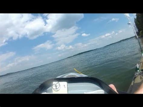 Rc Boats Vs Waves by Jet Villain Rc Brushless Fast Boat Jumping Some Waves Doovi