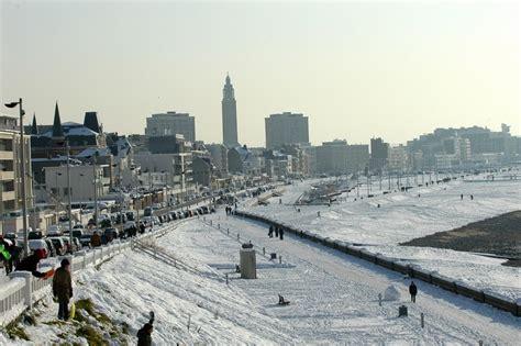 le bord de mer du havre sous la neige le havre patrimonial