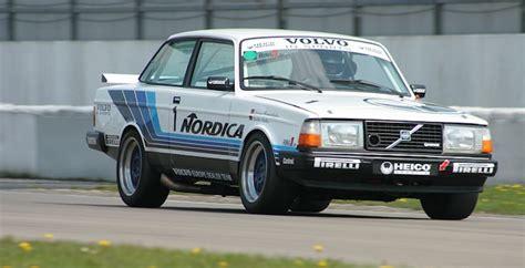 throwback thursday volvo  turbo   touring cars