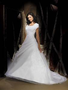 Short sleeves modest wedding gown in white for Short white wedding dress with sleeves