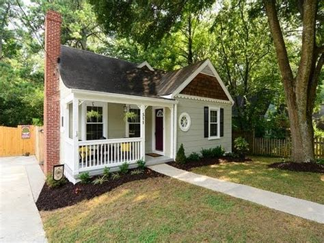 Houses For Sale With Cottages by Cottage Home For Sale In Oakhurst Decatur Ga