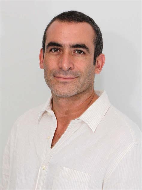 Born and raised mexico, daniel moved to nanaimo, bc to attend university. Daniel Martínez   Fandango Perú