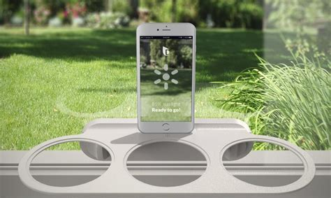 Droponic is a smart garden that lets you grow food in even